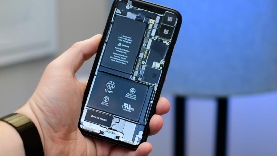 Apple znów kpi z klientów i serwisów, ograniczając opcje wymiany baterii