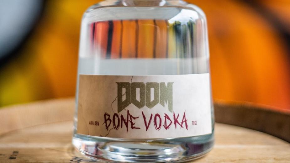 Doom wypuszcza własną wódkę wzmacnianą ekstraktem z wędzonych krowich kości