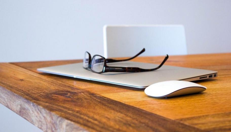 Home office, czyli jak podnieść swoją wydajność podczas pracy zdalnej