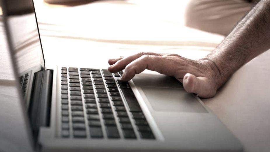 Smartfony wypierają tanie laptopy oraz komputery stacjonarne