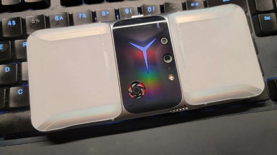 Legion Phone 2 Pro - nowy gamingowy smartfon Lenovo wygląda... oryginalnie
