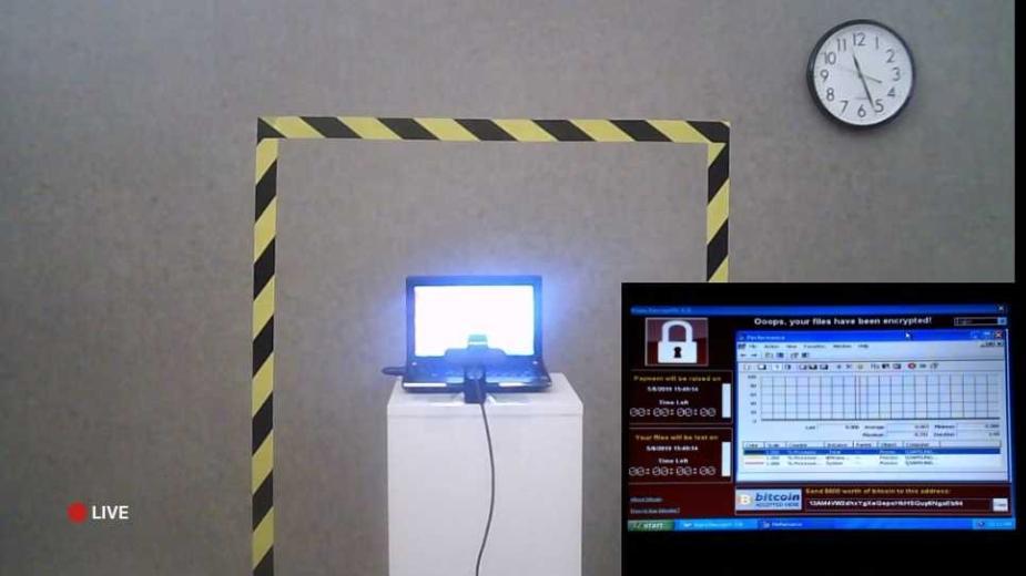 Persistence of Chaos - najniebezpieczniejszy laptop na świecie sprzedany