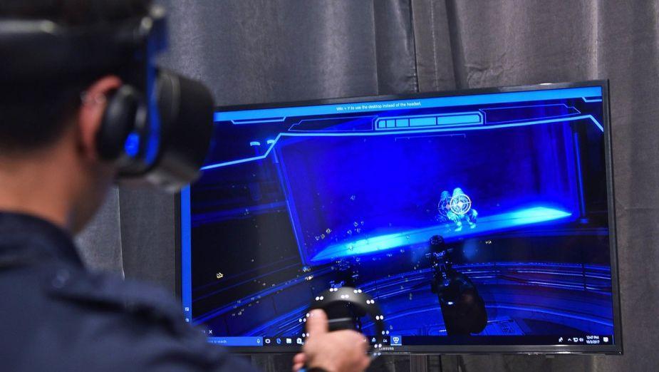 Raczej nie ma co liczyć na obsługę VR przez Xboxa One X ... na razie