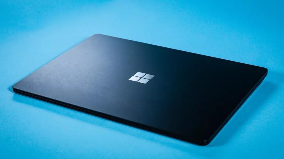 Surface z lutowaną pamięcią RAM i bez Thunderbolt dla bezpieczeństwa