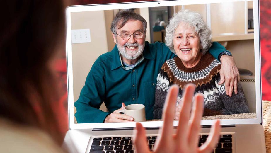 Wprowadź seniora w XXI wiek, czyli babcia i dziadek surfują po sieci