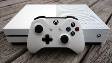 Xbox One S odtwarza media z nagrywanych płyt Blu-ray