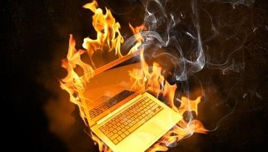 Laptopy HP mają problemy z bateriami - 142 tys. urządzeń potencjalnie dotkniętych wadą