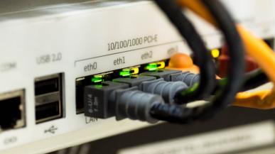 Wielka awaria OVH, firma ma problemy z prądem i siecią szkieletową / AKT.