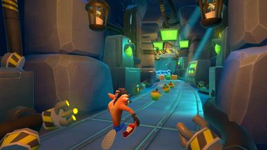 Crash Bandicoot: On the Run! jest hitem na platformach mobilnych