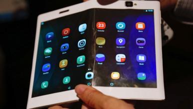 Lenovo pokazuje tablet ze składanym ekranem