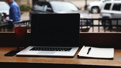 Modernizacja starego laptopa - co zmienić i czy warto?