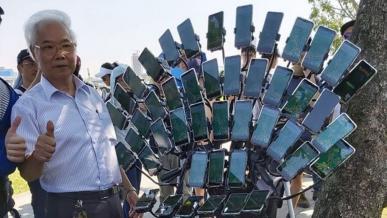 Pokemon Go. 70-letni mieszkaniec Tajwanu wykorzystuje do gry 45 smartfonów