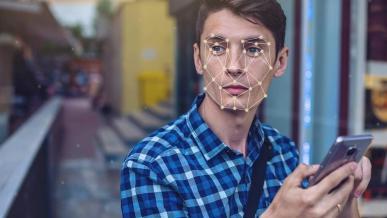 Rozpoznawanie twarzy zawodzi. Wystarczy zdjęcie, by odblokować smartfon