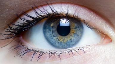 Stalker namierzył ofiarę odczytując szczegóły z odbicia w jej oczach