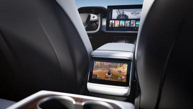 Tesla rzuca wyzwanie Sony i Microsoftowi? Model S oferuje sprzęt o mocy dorównującej nowym konsolom