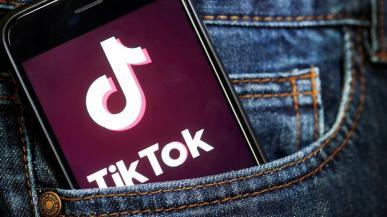 """TikTok przyłapany na kopiowaniu schowka w iOS. To \""""funkcja antyspamowa\"""""""