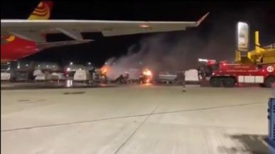 Vivo zakazane przez firmę lotniczą. Ładunek smartfonów zapalił się na płycie lotniska