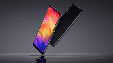Xiaomi Redmi Note 7 wykorzystany jako dziadek do orzechów